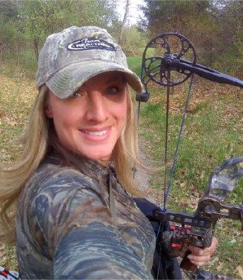 Christi_Schreiber_Sunrise-Archery_Pro_Staff